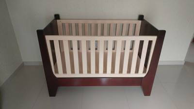 two-tone-gatsby-cot-converts-to-toddler-bed